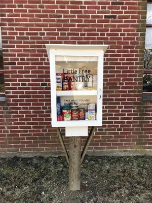 Fairhaven mini food pantry